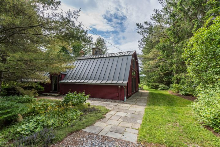 525 Canaan Rd, Richmond, MA 01254