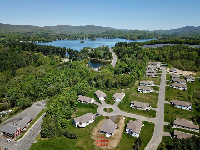 4 Sunrise Cir, Pittsfield, MA 01201