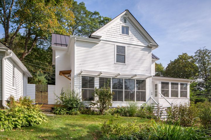 55 Castle St, Great Barrington, MA 01230