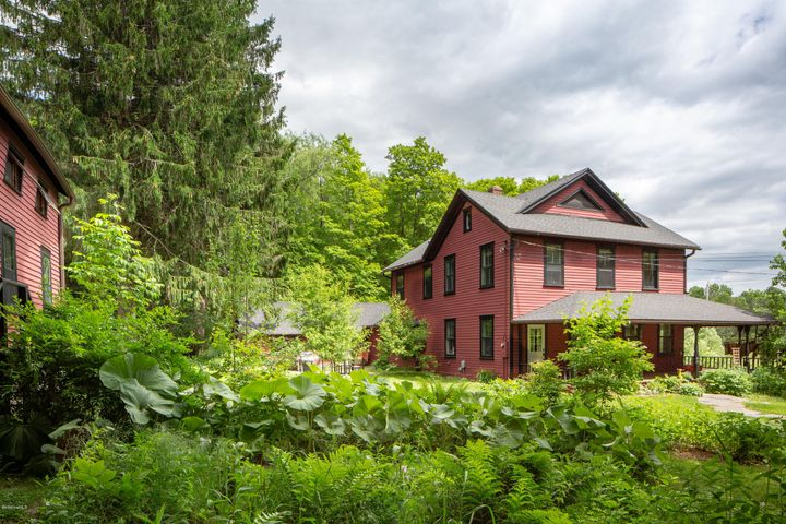 46 East St, Mt Washington, MA 01258