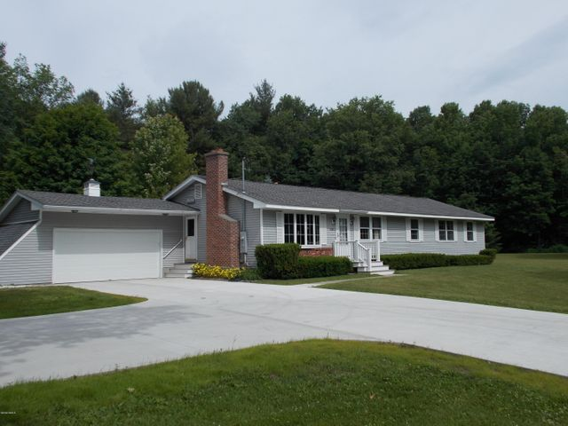 477 Washington State Rd, Washington, MA 01223
