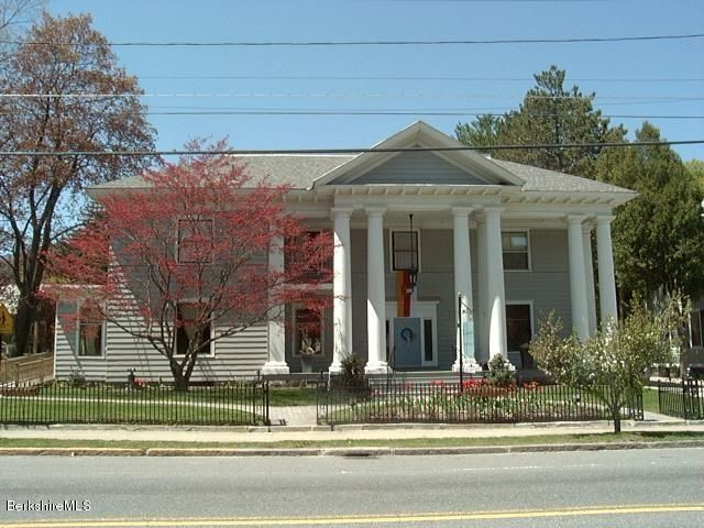17 Commercial St, Adams, MA 01220
