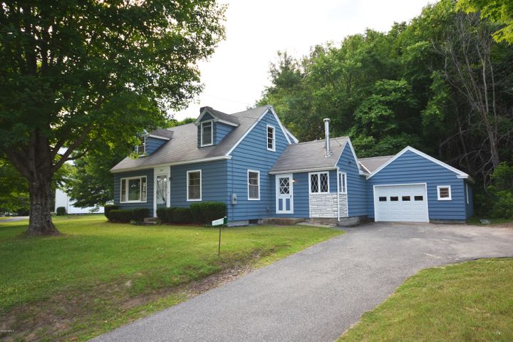 143 Maple St, Hinsdale, MA 01235