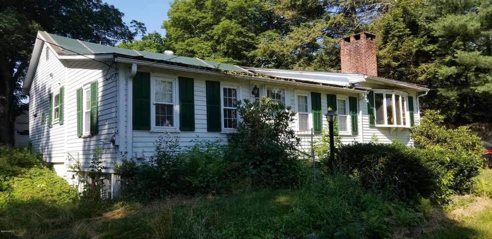 100 Maple Ave, Sheffield, MA 01257