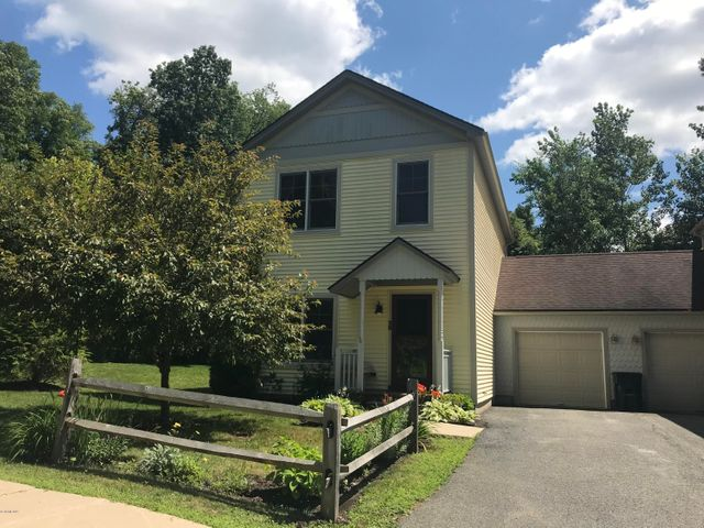 28 Stanley Dr, Great Barrington, MA 01230