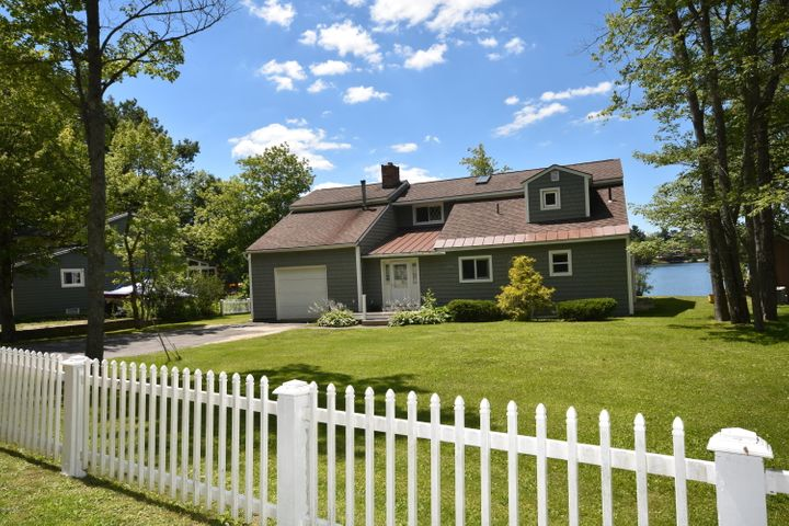 321 Ashmere Dr, Hinsdale, MA 01235