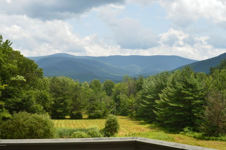 1525 Oblong Rd, Williamstown, MA 01267