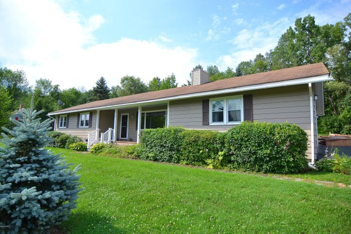 97 Cobbleview Rd, Williamstown, MA 01267