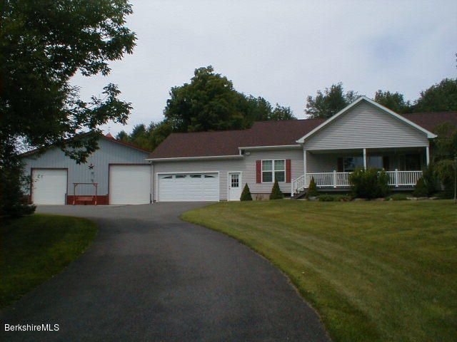 455 Maple St, Hinsdale, MA 01235