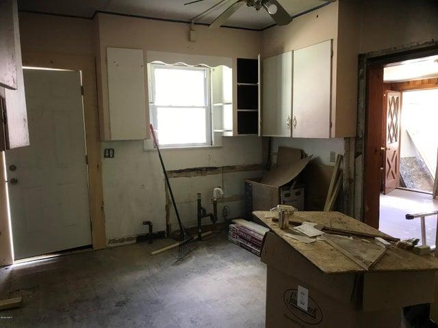 1st flr kitchen