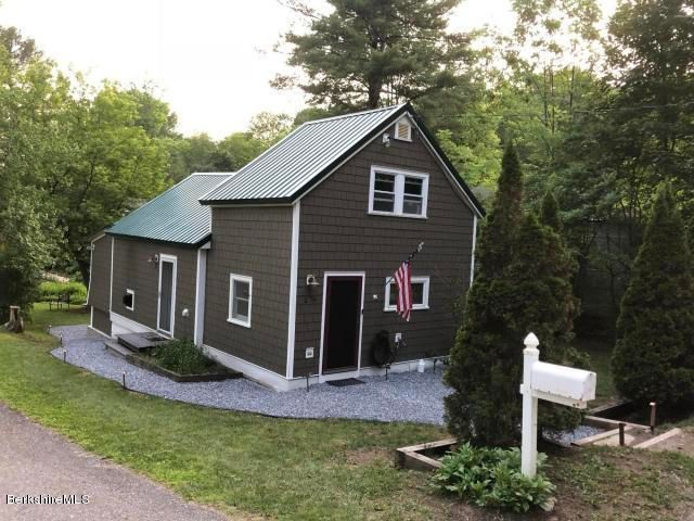 176 Shadowland Cove Rd, Cheshire, MA 01225