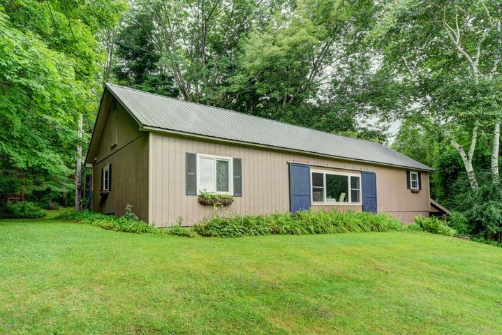 57 State Line Rd, West Stockbridge, MA 01266