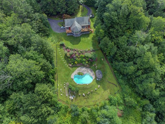 28 Ice Glen Rd, Stockbridge, MA 01262