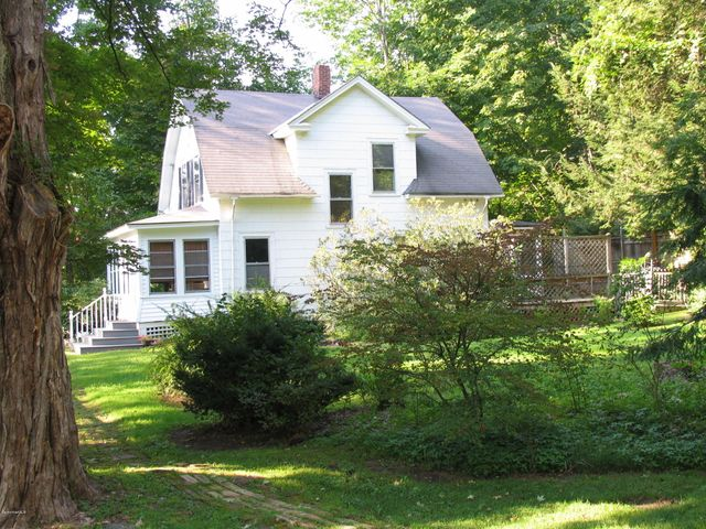 410 North Plain Rd, Great Barrington, MA 01230