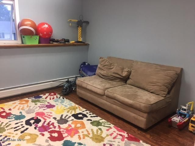 play room/office