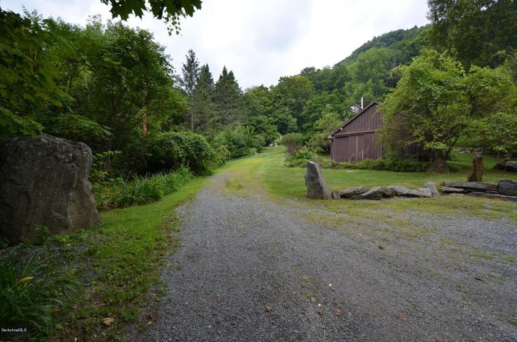 driveway with cottage view ahead