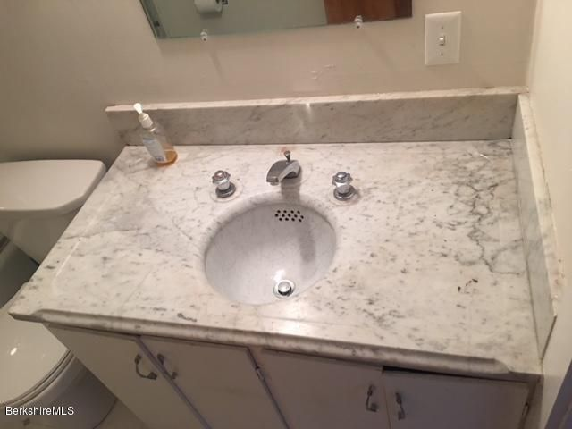 full bath vanity