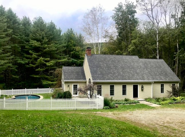 102 West Center Rd, West Stockbridge, MA 01266