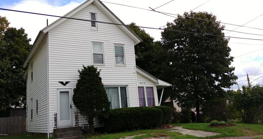 32 Richmond Ave, Pittsfield, MA 01201