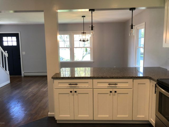 kitchen_into_dining_2