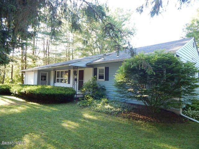 137 Elaine Dr, Pittsfield, MA 01201