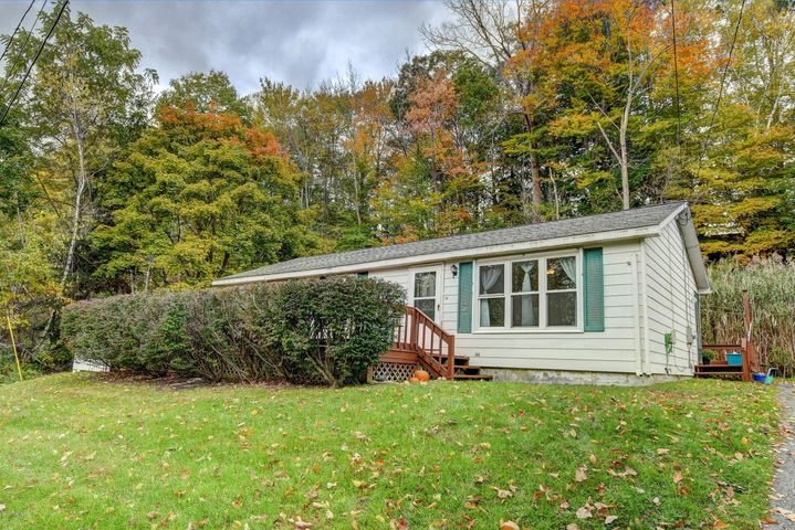 35 Charlene St, North Adams, MA 01247