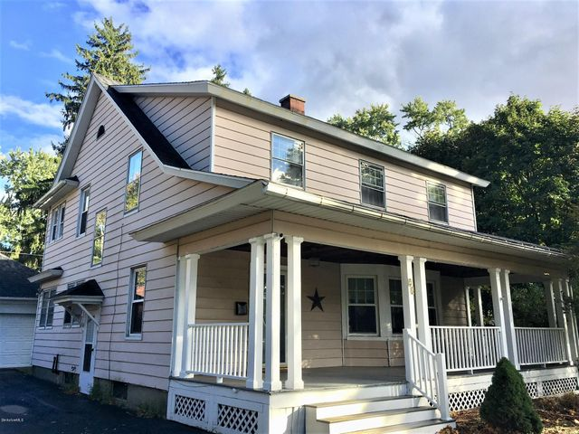 23 Waverly St, Pittsfield, MA 01201