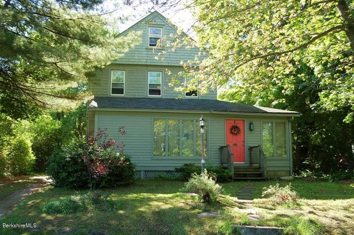 40 Stockbridge Rd, Great Barrington, MA 01230