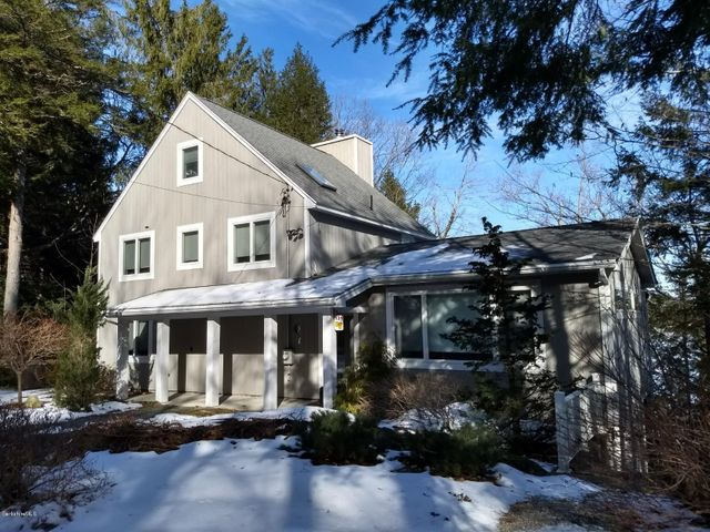 131 Pond Blvd, Otis, MA 01253