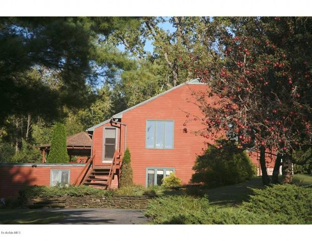 375 Washington Mountain Rd, Dalton, MA 01226