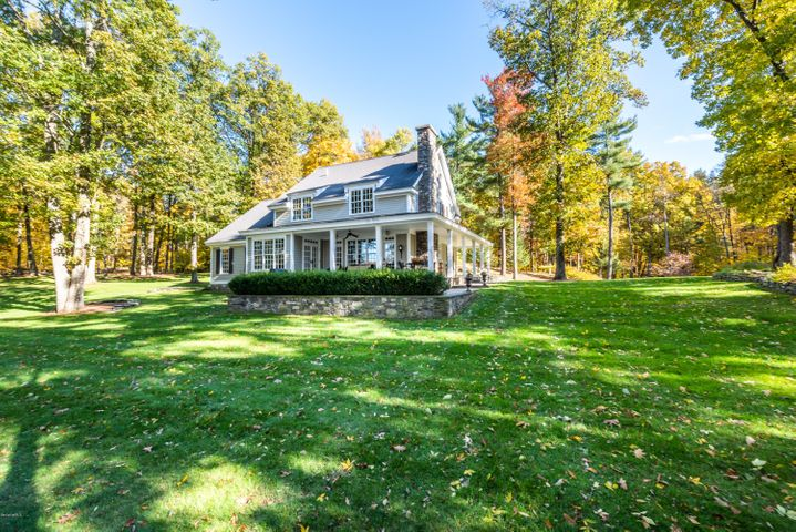 189 Schnackenberg Rd, Ghent, NY 12075