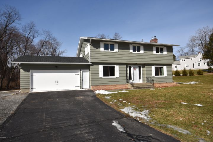 35 Morewood Dr, Pittsfield, MA 01201