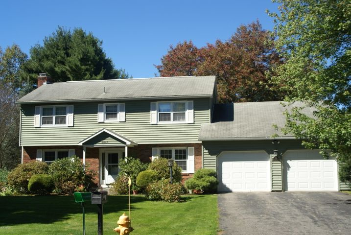 86 Mountainview Dr, Pittsfield, MA 01201