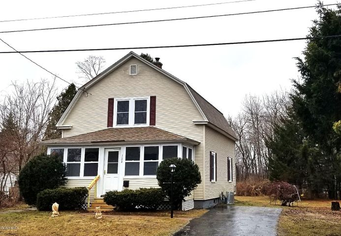 122 Longview Ter, Pittsfield, MA 01201
