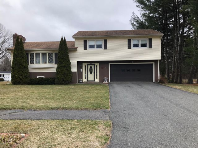7 Glenn Dr, Pittsfield, MA 01201