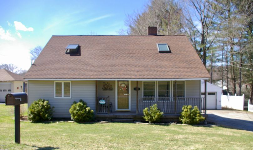 42 Overlook Rd, Pittsfield, MA 01201