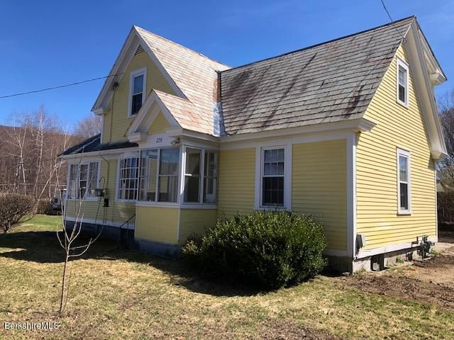 226 Quincy St, North Adams, MA 01247