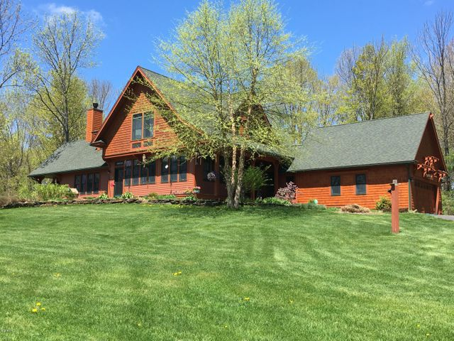 385 West Rd, Lee, MA 01238