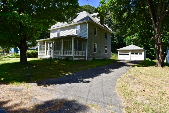 213 Oak St, Great Barrington, MA 01230
