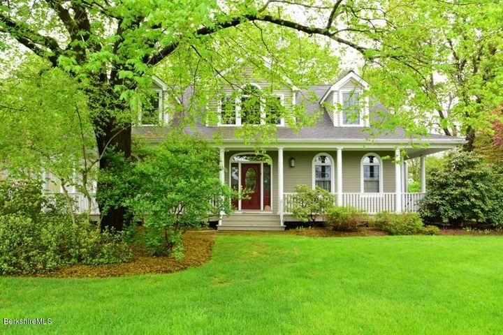 3 Cornwall Dr, Great Barrington, MA 01230