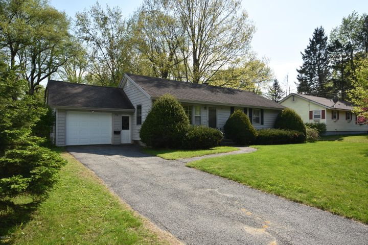 80 Mcintosh Dr, Pittsfield, MA 01201