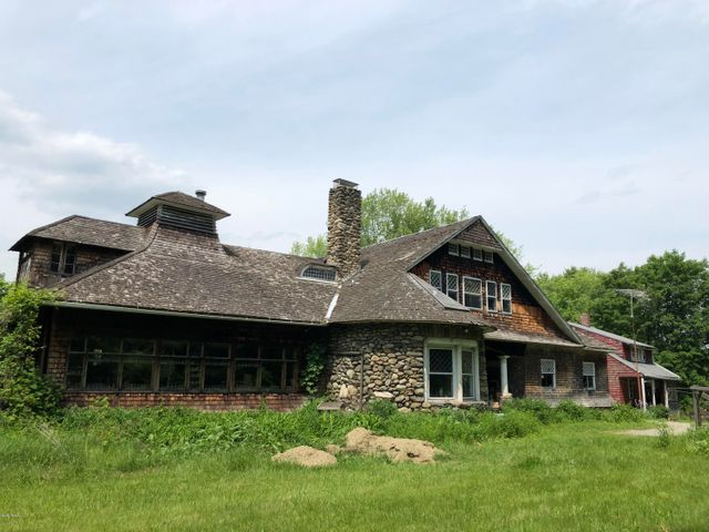 542 Egremont Rd, Great Barrington, MA 01230