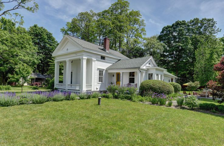 1135 Ashley Falls Rd, Sheffield, MA 01222