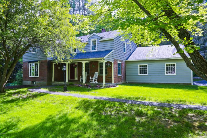 233 Mountain Dr, Pittsfield, MA 01201
