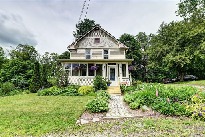 55 Laurel St, Lee, MA 01238