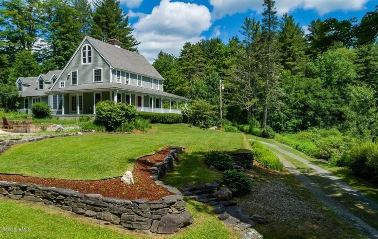 430 East River Rd, Chester, MA 01011