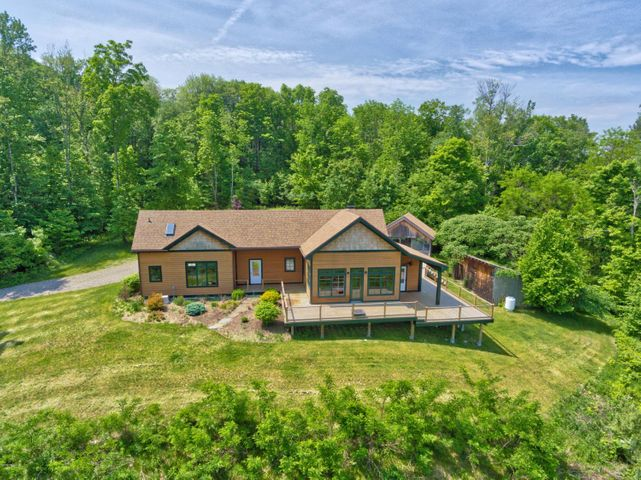 576 Wadsworth Rd, East Chatham, NY 12060