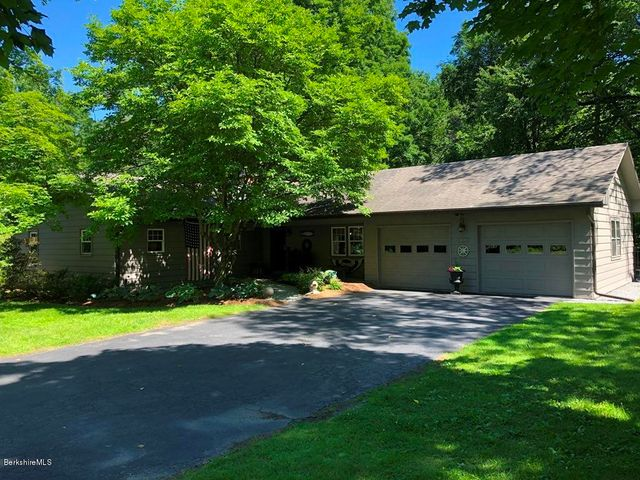 206 Sand Springs Rd, Williamstown, MA 01267
