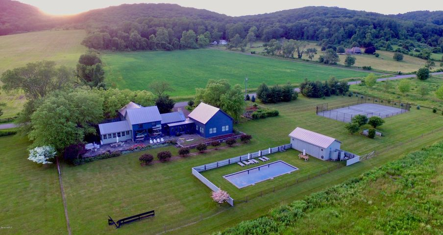 88 High Meadow Rd, Copake, NY 12516