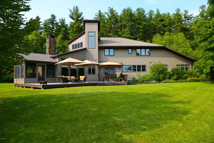 54 Crooked Hill Rd, Great Barrington, MA 01230